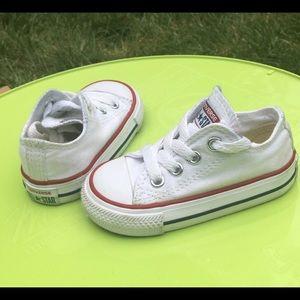 4C white converse